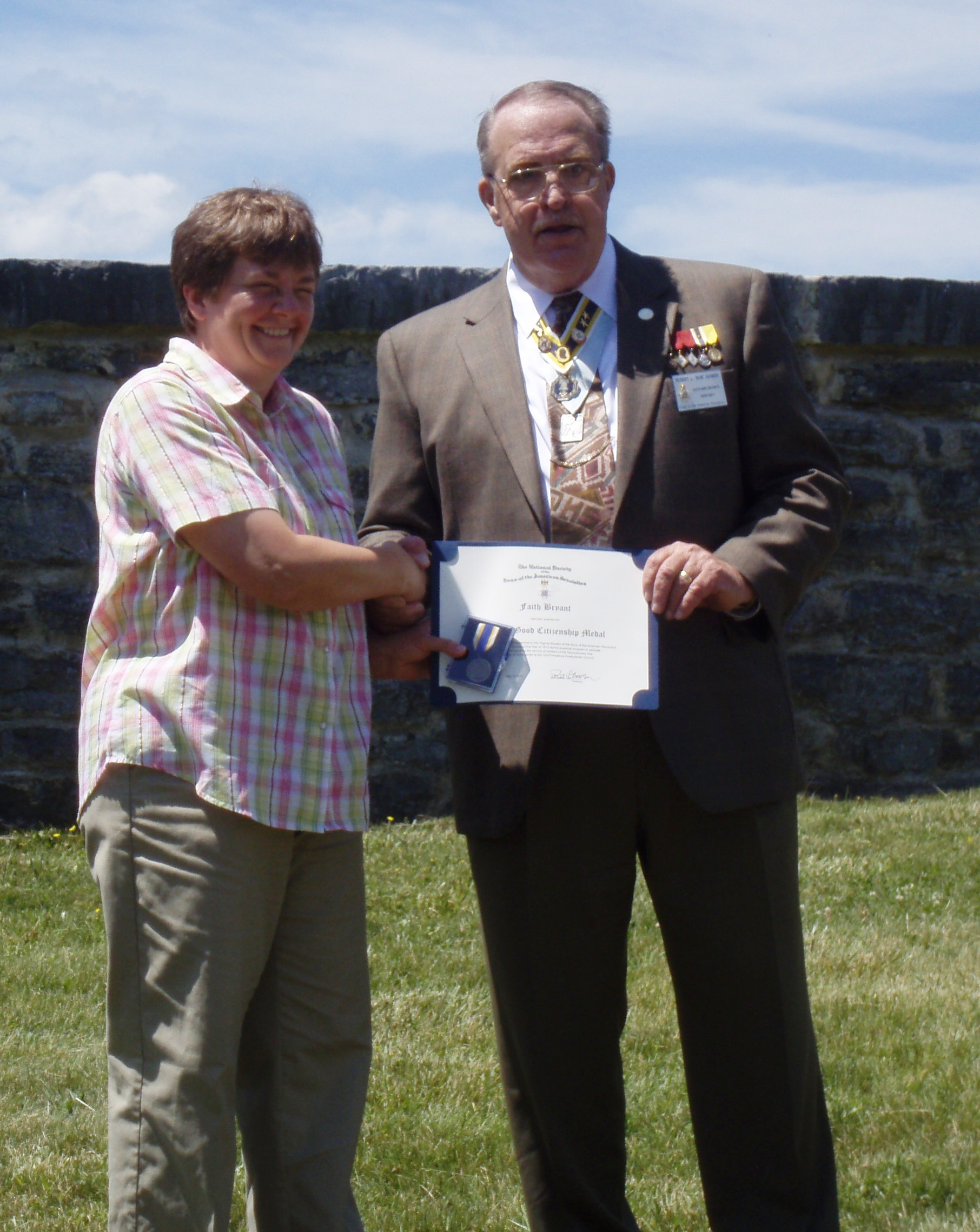 Cemetery Researcher Faith Bryant receives certificate